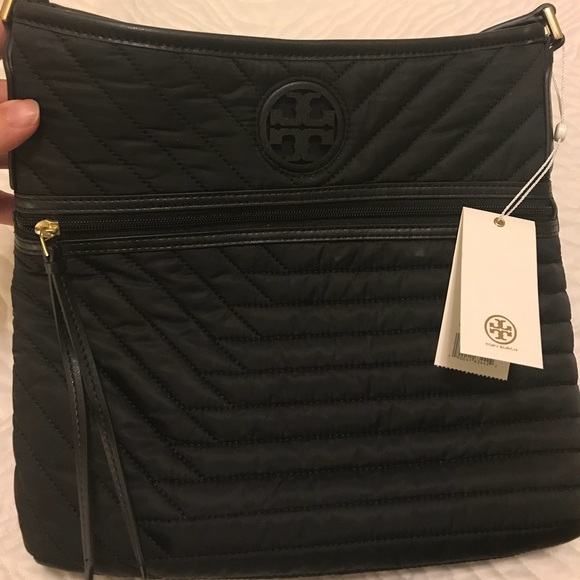 05cdd9082e8 Tory Burch quilted nylon swing pack NWT